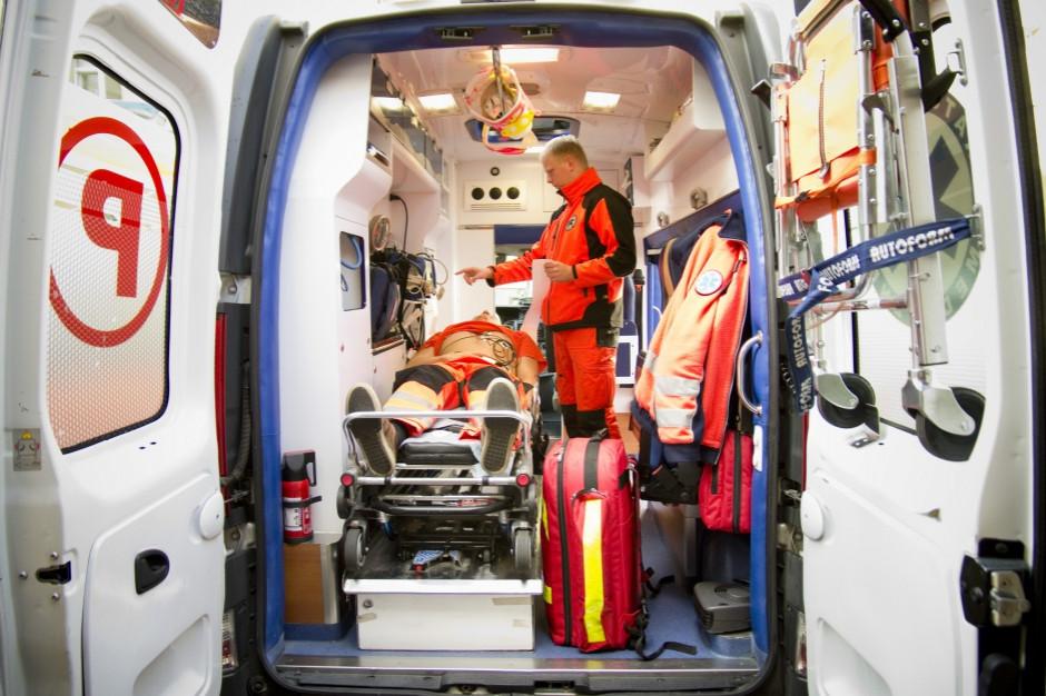 MZ rezygnuje z dalszych prac nad stosowaniem kamer nasobnych przez ratowników medycznych