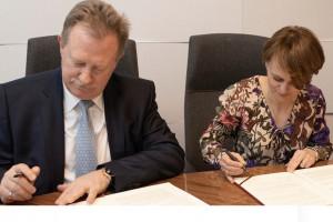 Resort przedsiębiorczości i Roche podpisały umowę o współpracy w zakresie nowych technologii