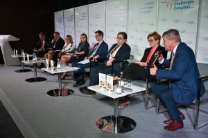 Deficyty kadry medycznej: nowe kompetencje i zawody uzdrowią sytuację?