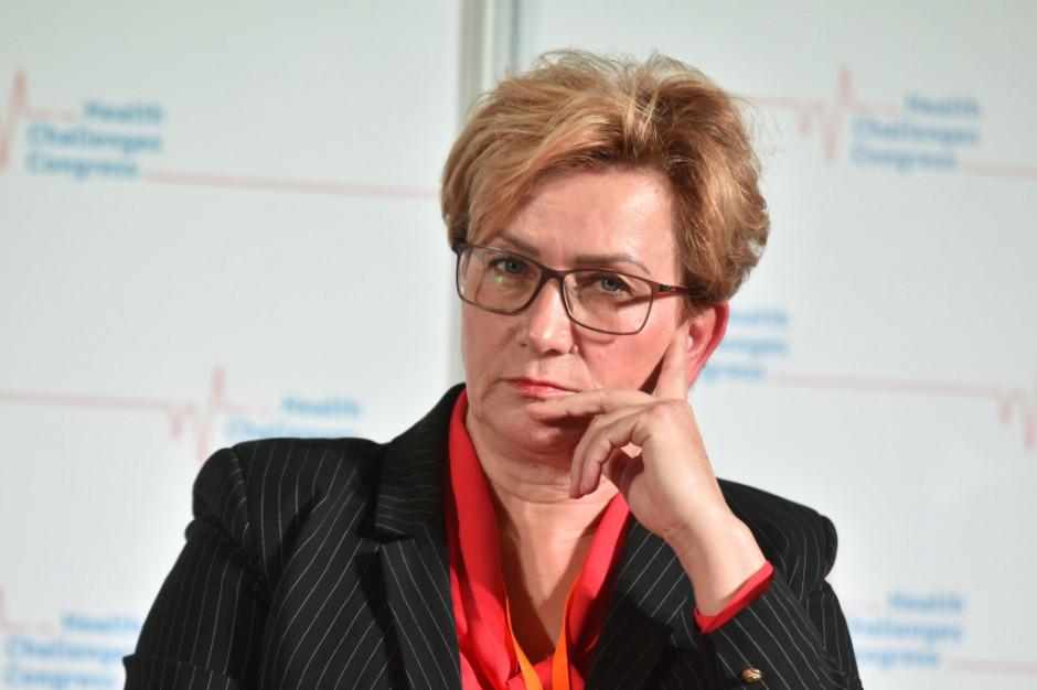 Wiceminister zdrowia przekonuje: puste łóżka nie leczą