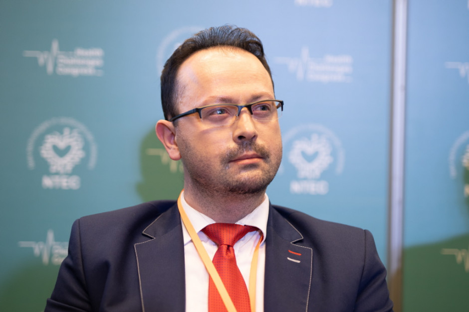 Szymon Chrostowski: program lekowy w raku jelita grubego wymaga pewnych zmian