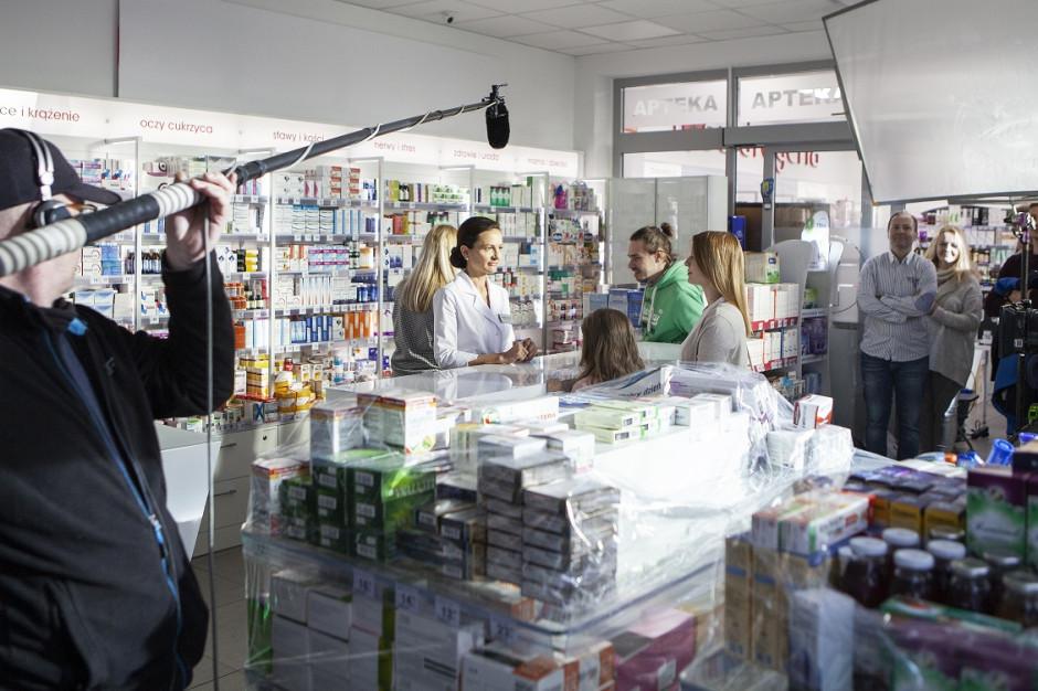 Tylko 10 proc. Polaków chodzi do apteki po poradę. Rusza kampania ''Po pierwsze farmaceuta''