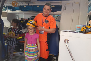 Ministerstwo Zdrowia z okazji Dnia Dziecka zaprosiło najmłodszych do szpitala lali i misia