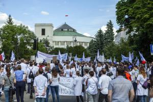 Wyjdą na ulice manifestując przeciw zaniedbaniom polityków w ochronie zdrowia