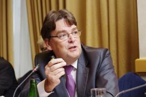 Prof. Szenborn: odmowy szczepień to efekt ''zapomnianych korzyści i wyolbrzymionego ryzyka''