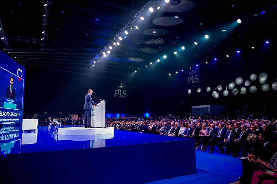 Premier w Katowicach: nie obiecujemy gruszek na wierzbie, a te ok. 160 mld zł za kilka lat...