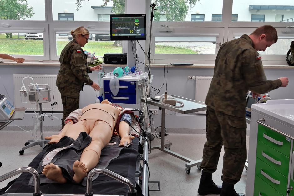 WIM: szkolą, jak ratować rannych na polu walki, a to przydaje się także w czasie pokoju