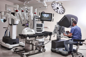 Szczecin: robot da Vinci w rękach chirurgów ze szpitala PUM