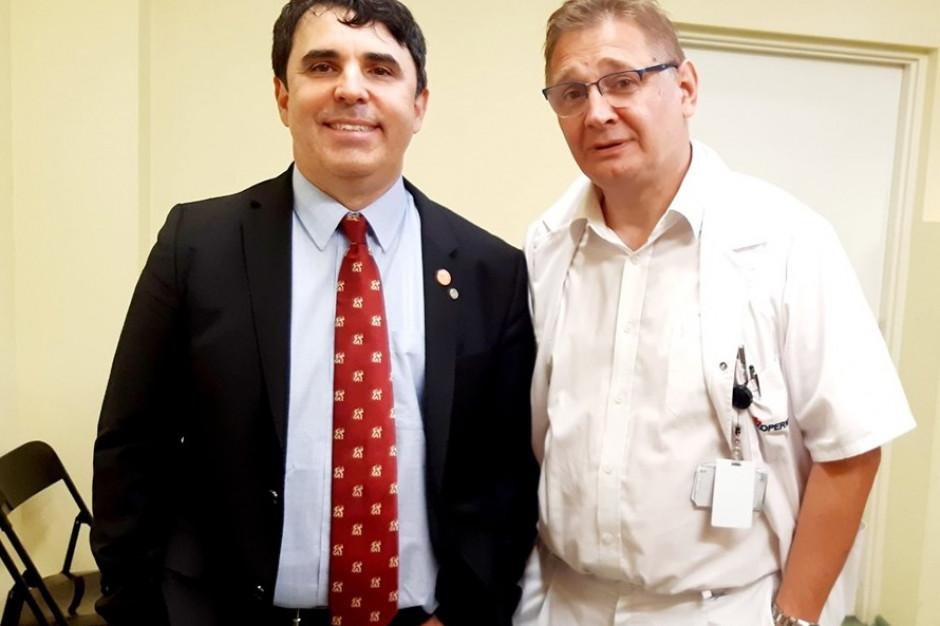 Łódź: prof. Ramos przeprowadził bariatryczne operacje laparoskopowe w szpitalu Kopernika