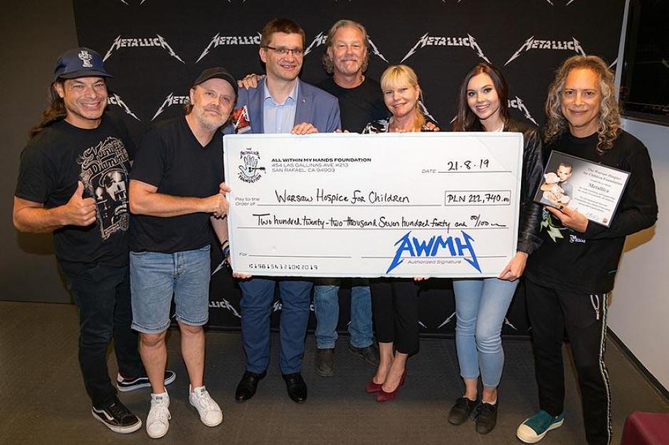 Warszawa: 200 tys. zł  dla hospicjum od zespołu Metallica
