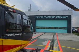 We Wrocławiu zabrakło karetek, a helikopter nie wylądował. Mężczyzna zmarł