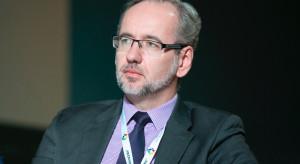 Adam Niedzielski: NFZ wypłacił prawie 18 mln zł na dodatkowe świadczenie dla medyków