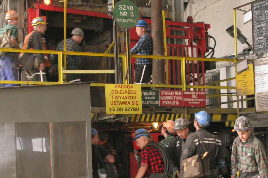 Zdrowie górników: spada liczba chorób zawodowych, niepokoją zawały