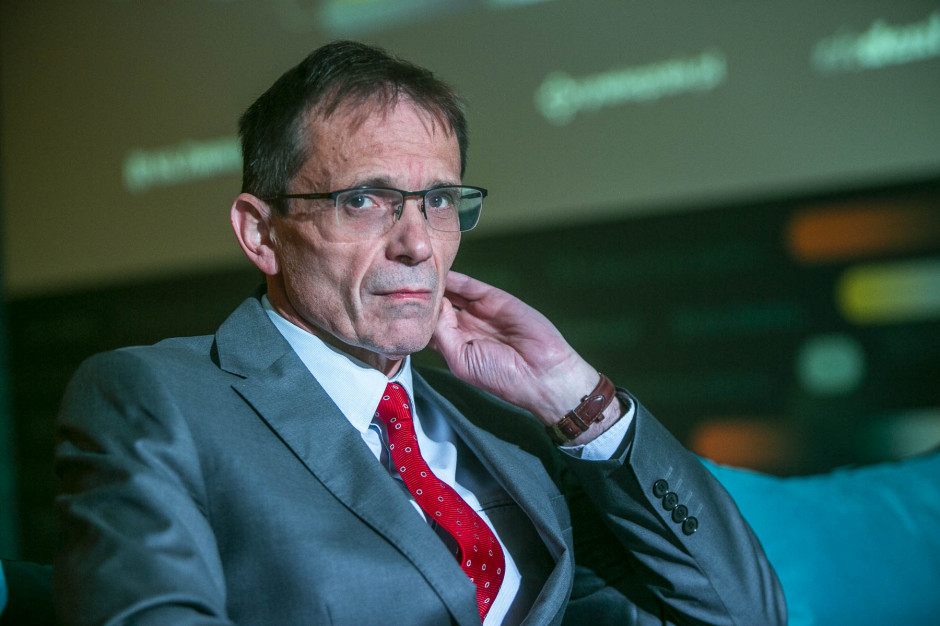 Bukiel pyta premiera: Czy życie chorych na Covid -19 jest więcej warte niż życie innych chorych?