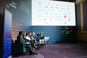 """XV Forum Rynku Zdrowia: sesja """"Projekt MedKompas i System Weryfikacji Wydarzeń"""""""