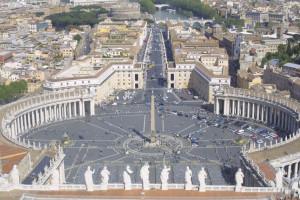 Watykan: przychodnia na placu św. Piotra oferuje pomoc ubogim