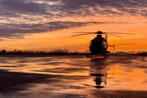 Śląskie: śmigłowiec LPR stacjonuje na lotnisku w Kaniowie