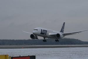 LOT przedłuża zawieszenie lotów międzynarodowych do 14 czerwca