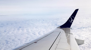 Wiceminister Cieszyński o podróżach lotniczych: ostrożnie otwieramy niebo nad Polską