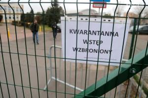 Sanepid: matka jednego z komunijnych dzieci zakażona koronawirusem, proboszcz trafił na...