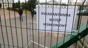 Łódzkie: trwa wygaszanie ogniska SARS-CoV-2 w zakładach Wielton w Wieluniu