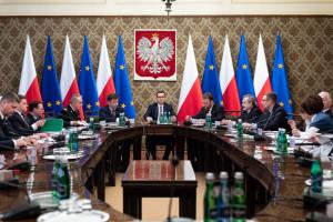"""Rządowy projekt wprowadzający zmiany w 14 """"zdrowotnych"""" ustawach w Sejmie"""