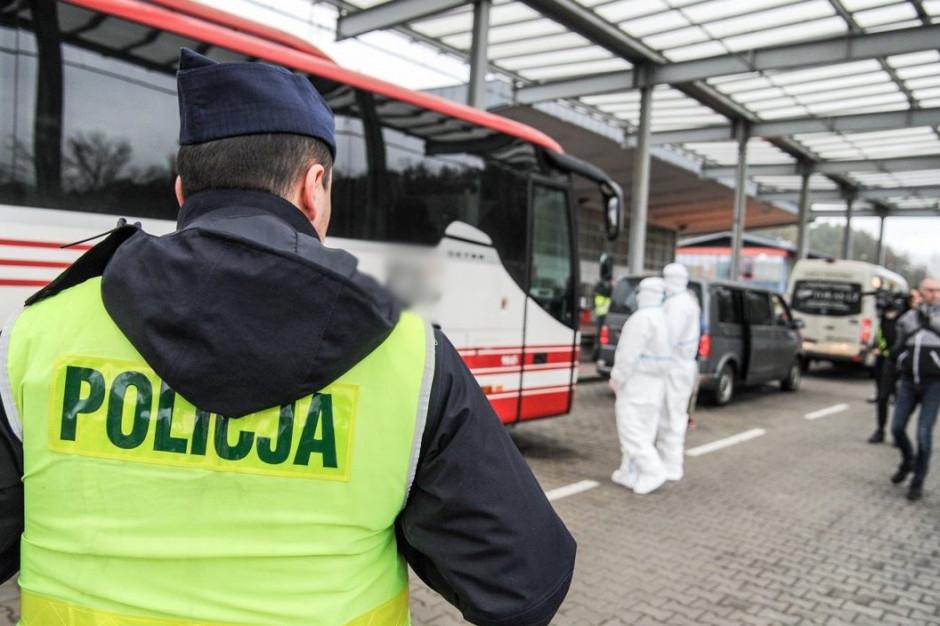 Warszawa: pacjent z koronawirusem wyszedł ze szpitala po alkohol, został aresztowany