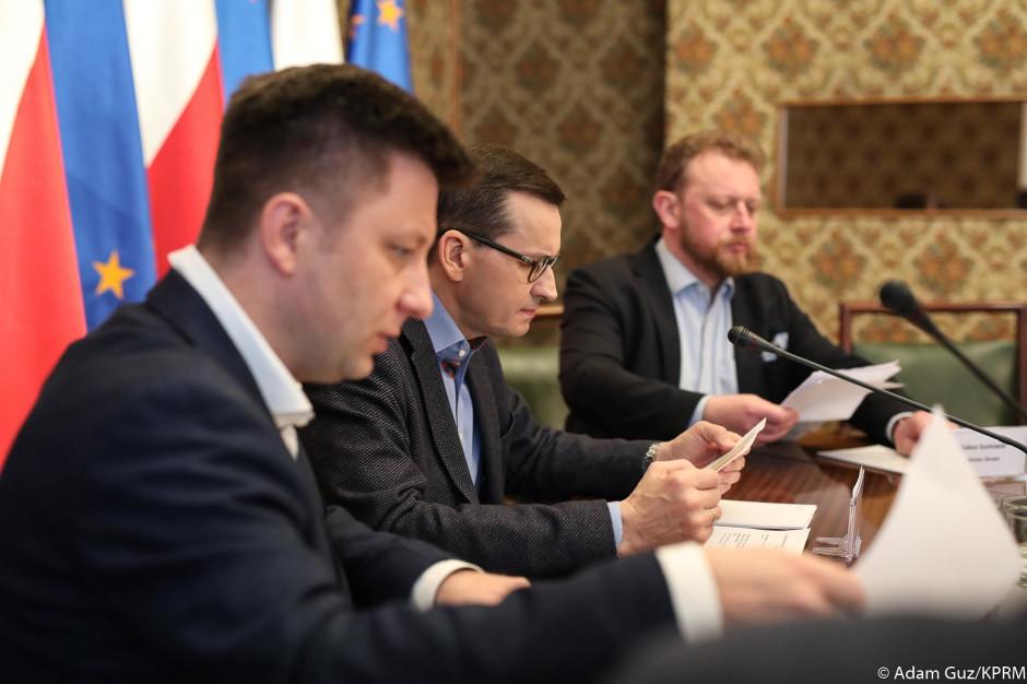 Minister Michał Woś: czuję się gorzej, ale wciąż pozostaję w domu