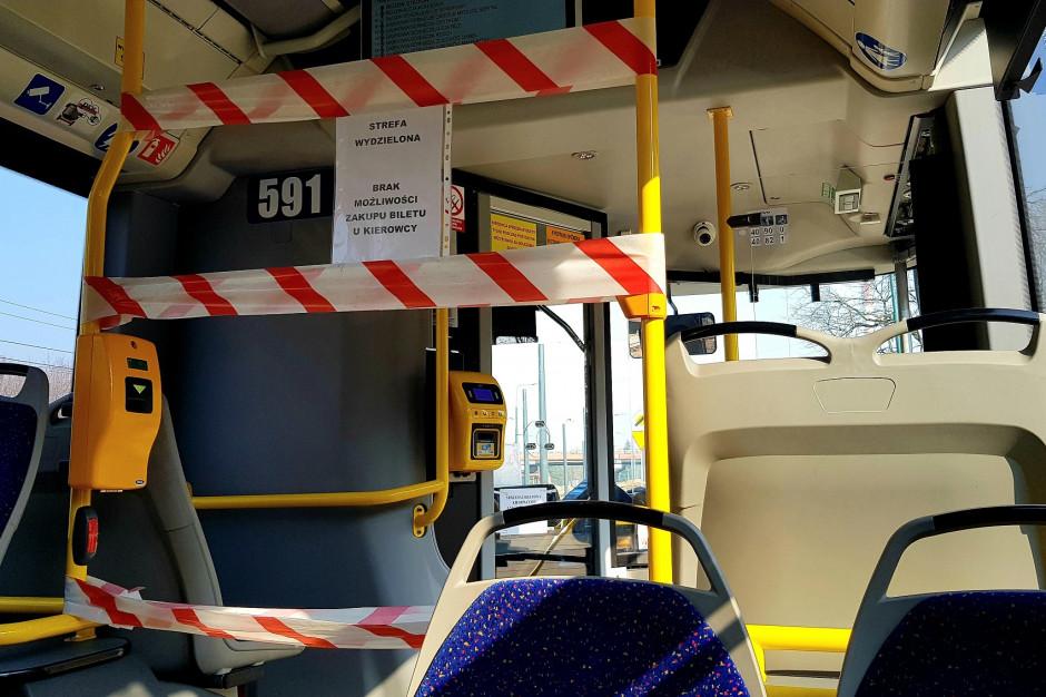 Warszawa: kierowca autobusu zawiózłpasażerkę do szpitala. Nie było wolnej karetki