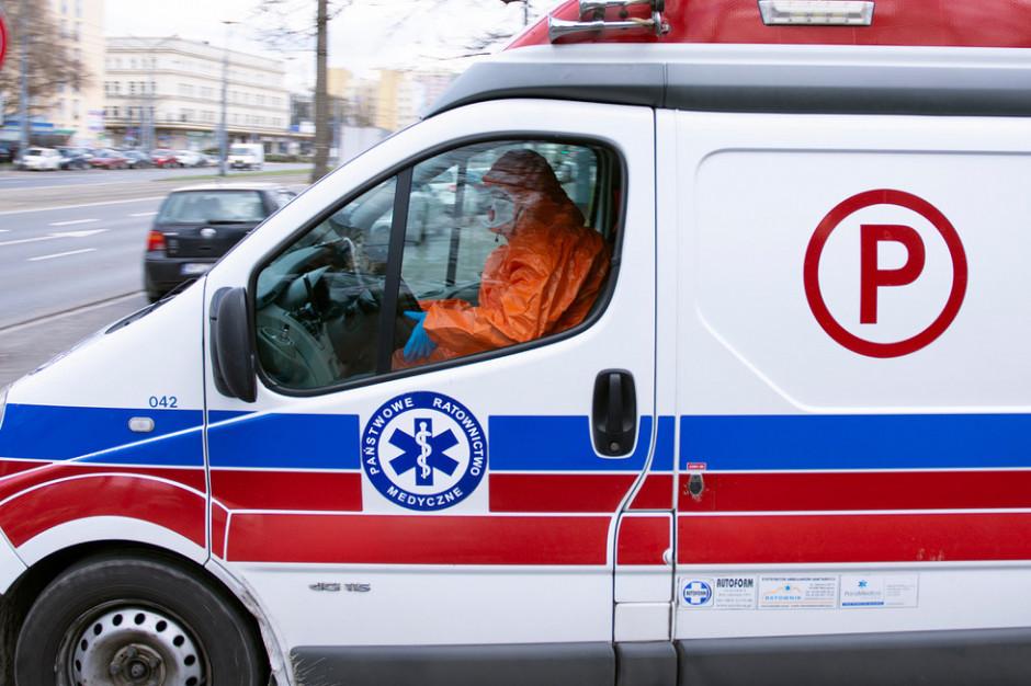 Prowadził karetkę z chorym covidowym, jest oskarżony o spowodowanie śmiertelnego wypadku