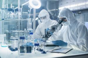 Śląskie: milion zł na sprzęt do laboratorium wykonujące testy na SARS-CoV-2