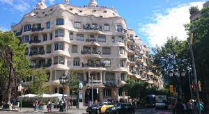 Hiszpania: nowe ogniska koronawirusa, regiony nakazują noszenie maseczek