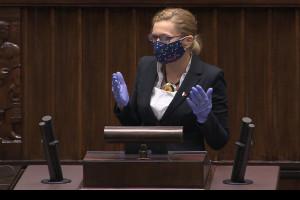 Posłowie będą głosować zdalnie, zmiany regulaminu przyjęte