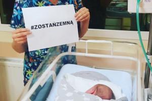 Dzieci zakażone koronawirusem: 90 tys. odpisów w odzewie na #zostańzemną - akcję neonatolog Panidoktor