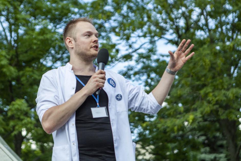 Bartosz Fiałek: tyle testów dziennie wykona Bawaria, a tyle Polska