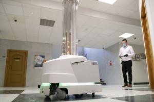 WUM: tak działa inteligentny robot UVD do sterylizacji obszarów wysokiego ryzyka zakażenia