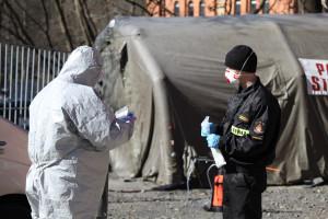 Warszawa: ratownicy medyczni z PSP będą wspierać szpitale tymczasowe