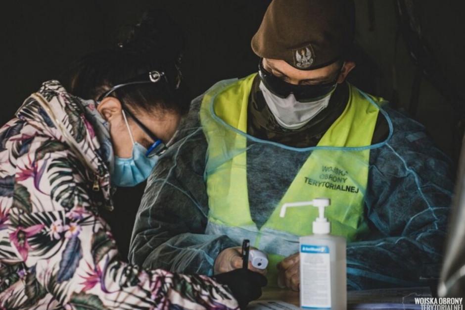 Trwają testy po wykryciu SARS-CoV-2 w fabryce mrożonek w Działoszynie - jedno z większych ognisk w kraju