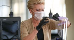 W Pałacu Prezydenckim pracują drukarki 3D, Pierwsza Dama montuje przyłbice