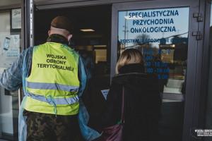 """Toruń: terytorialsi przygotowują się do """"zadań opiekuńczo-pielęgnacyjnych""""; czego nauczy się żołnierz"""