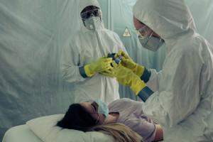 Raport MZ: 1790 łóżek covidowych i 76 respiratorów pozostaje zajętych