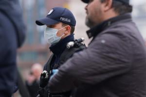 Policja: ostatniej doby było ok. 1 tys. naruszeń kwarantanny