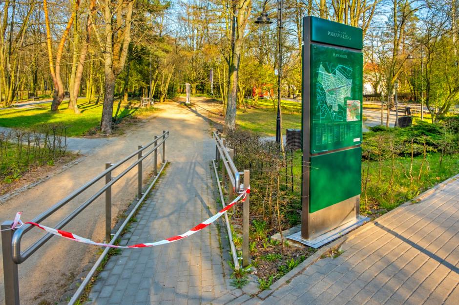 Kraków: kara 12 tys. zł dla 70-latki za wejście do parku podczas epidemii - uchylona