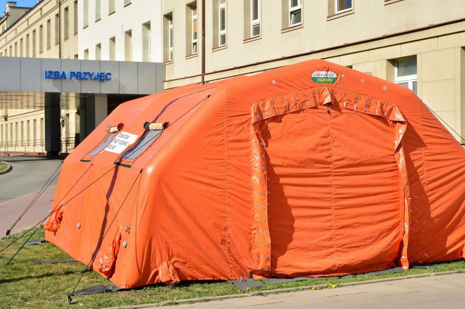 Kraków: namiot wymazowy przed szpitalem musi zniknąć