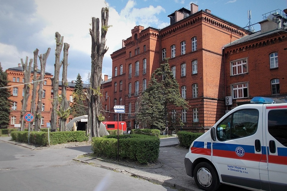 Śląskie: szczepienia przeciw COVID-19 kontynuowane w 4 szpitalach