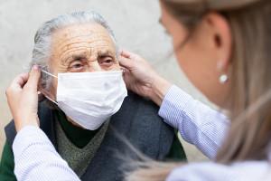 Opolskie: 103-latka pokonała koronawirusa i przygotowuje się do wyjścia ze szpitala