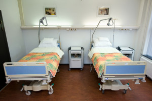 Specjaliści: czas obrony przed koronawirusem mija, pora na zdecydowany atak