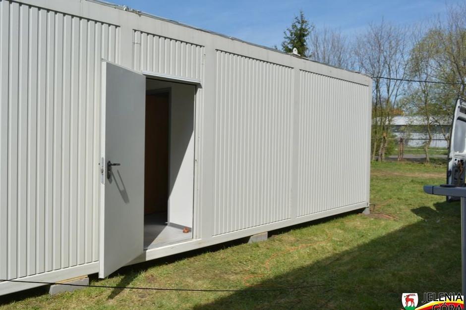 Opole: kontenery mają zapewnić lekarzom godne warunki odpoczynku po pracy