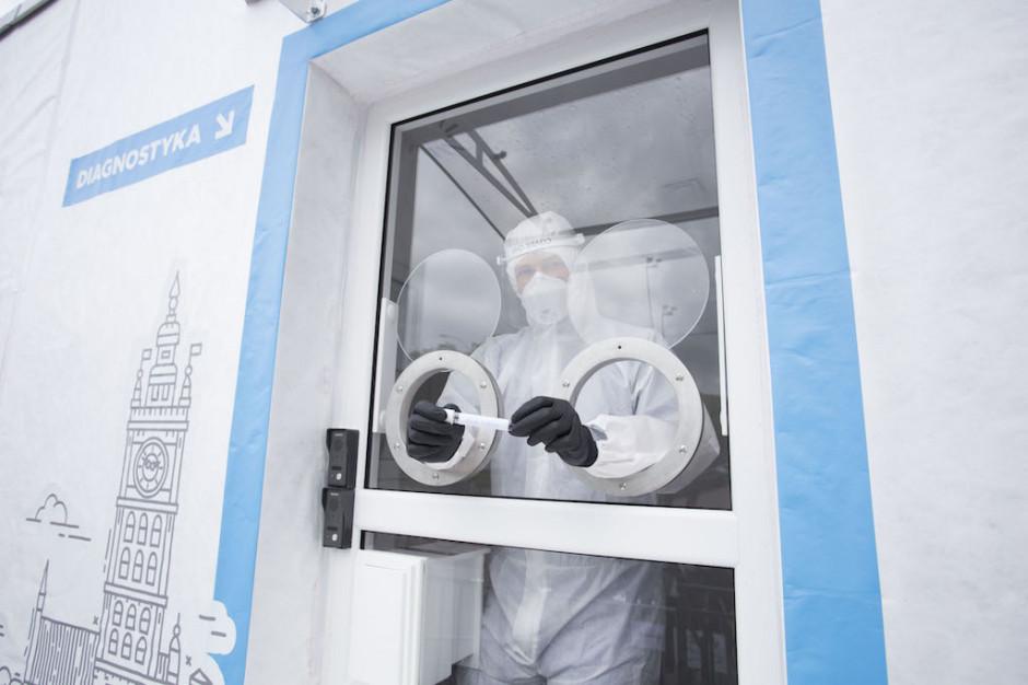 MZ: ponad 996 tys. przebadanych próbek na koronawirusa, ostatniej doby ponad 29,4 tys.