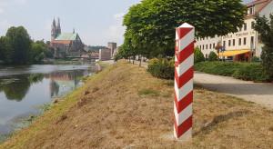 Niemcy: minister zdrowia o problemach z testami i większej liczbie młodych zakażonych koronawirusem